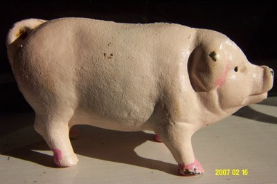 ADORABLE OLD PINK PIG PIGGY BANK A CAST IRON MONEY BOX