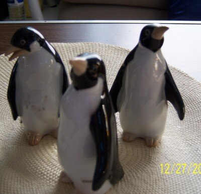 Otagiri Penguins Japan Pair Porcelain Mint Condition Vintage