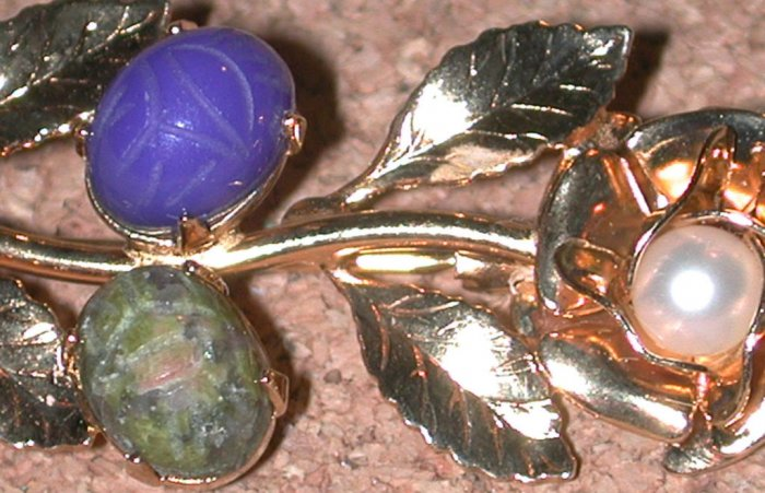 Carved hard Stone Scarab Flower Pin Brooch Vintage gold plated