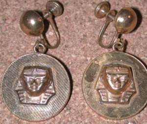Vintage screw-back Egyptian king Tut Head Charm Earrings Brass?