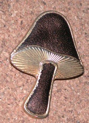 gold-tone Enamel Mushroom Pin brooch Vintage