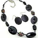 Black shell 18 Inch Necklace Set With Earrings