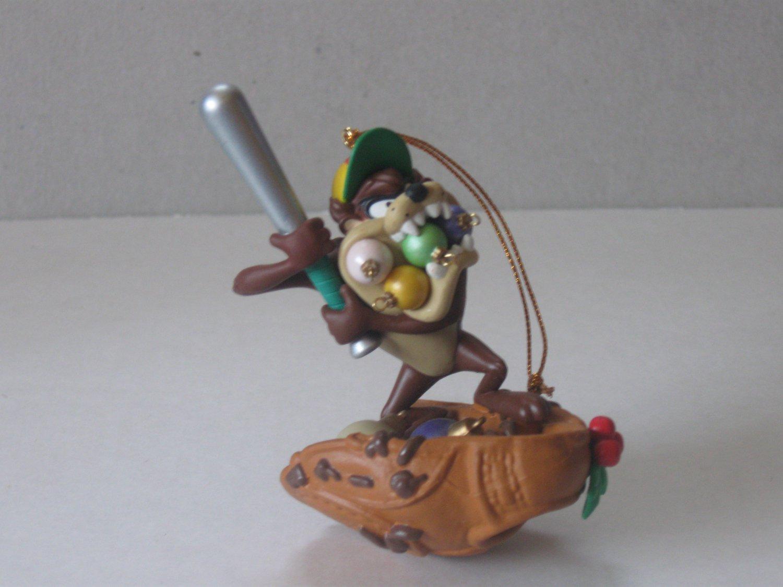 1996 Looney Tunes Tazmanian Devil Christmas Ornament