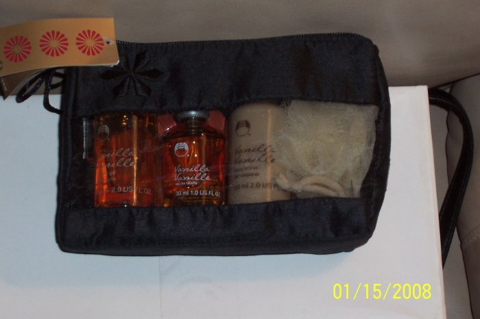 NWT The Body Shop Vanilla Gift Bag  $25.00 Value