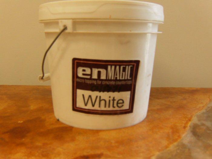 enMAGIC 4 lb. White