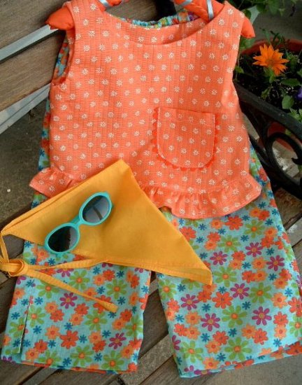 Bloomin Daisies - Toddler Capri Set - Top - Capris - Head Scarf - Sunglasses