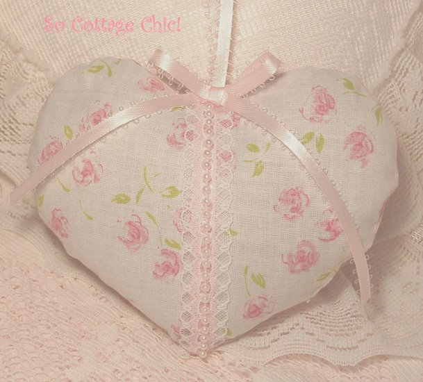 Shabby Cottage ~ Rose Bud Heart ~ Lavender Sachet ~ Gift Idea ~ Scented