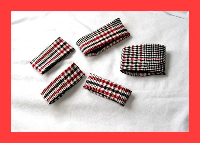 PAPAYA Great Plaid Cuff- Fits all