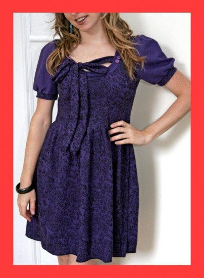 PAPAYA Cute Tapestry Snow White Dress with Vintage Buttons, Ties and Puff Sleeves - Medium