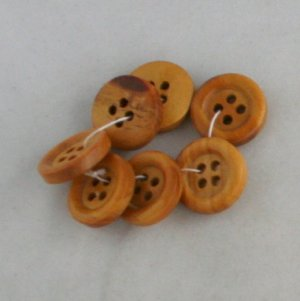 7 Wood Buttons-VINTAGE BUTTONS 9/16 in