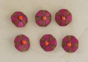 MadeUP Bead/Plastic Buttons VINTAGE BUTTON 6 Pink 3/4 inches