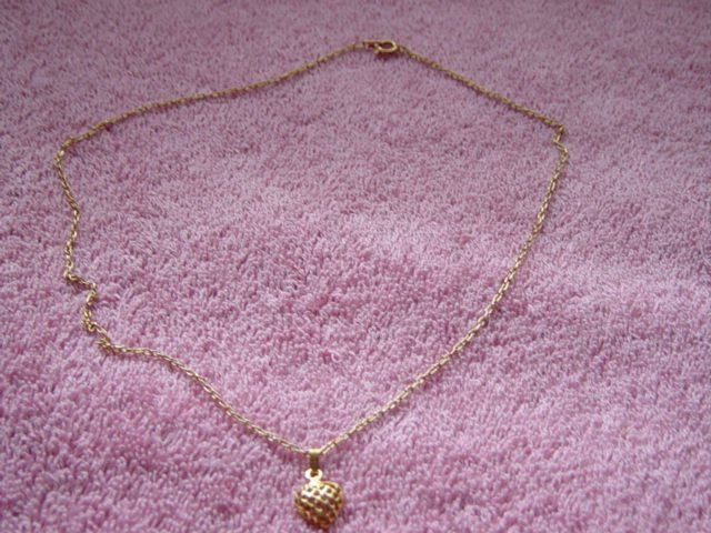 Gold Tone Chain Necklace and Gold Heart Pendant #900375