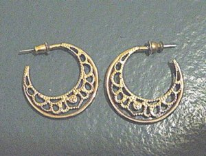 Pair of Half Moon Filigree Hoops Gold Tone Earrings #900419