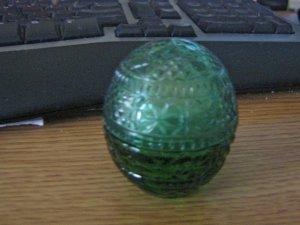 Avon Sweet Honesty Cream Sachet Dark Green Egg 1 Oz. Jar #900643
