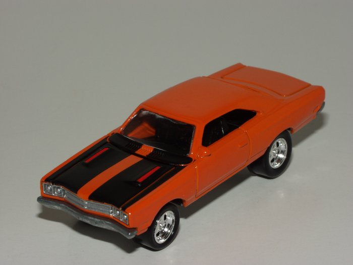 Loose Johnny Lightning K-B Toys Exclusive Plymouth Road Runner Loose