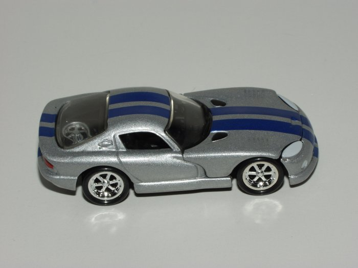 Hot wheels 2000 100% Cool Collectible Dodge Viper GTS Silver 1/64 Scale Loose