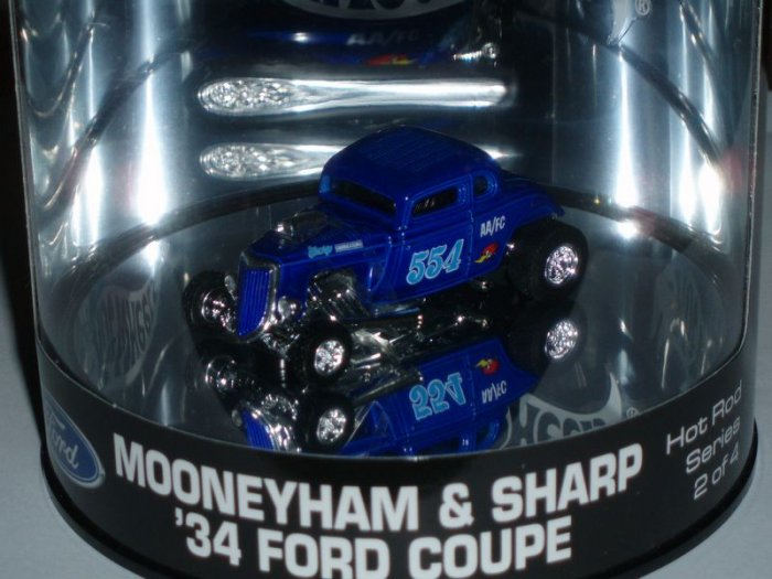 2004 Hot Wheels Showcase Mooneyham & Sharp �34 Ford Coupe...Blue