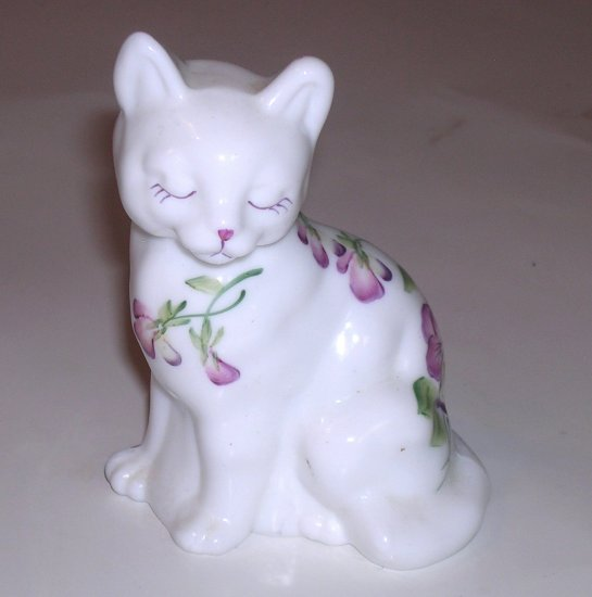 Lovely Fenton Glass Cat Figurine Hand Painted with Pansy Flower Artist Signed