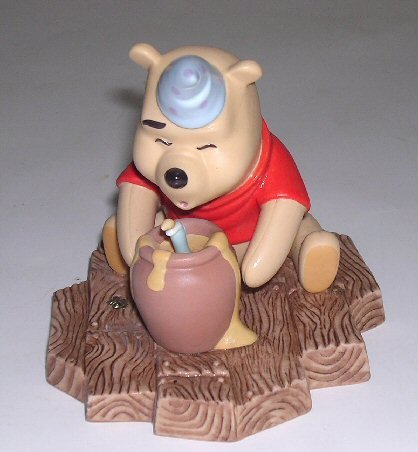Sweet Disney Pooh and Friends Birthday Figurine / Winnie The Pooh Figurine
