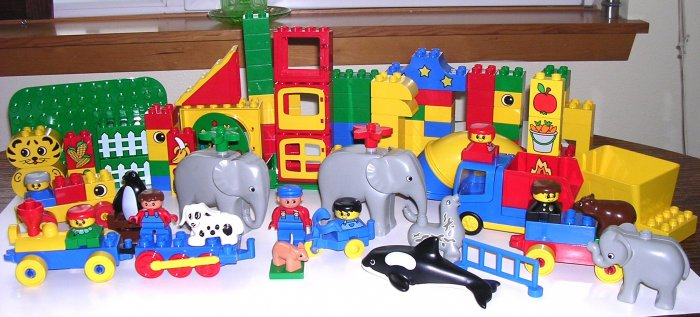 Big Lot Of Lego Duplo Blocks Circus Animals Trains Lego People Specialty Blocks