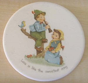 "Hyalyn ceramic art wall hanging (""Love is like the sweestest song"")"