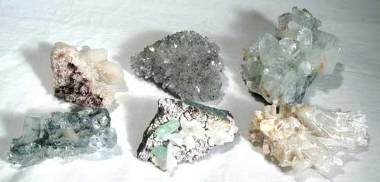 Crystal Clusters: Various Stones, Single