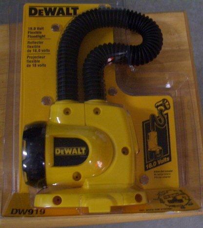DW919 Dewalt Heavy-Duty 18V Cordless Flexible Floodlight -