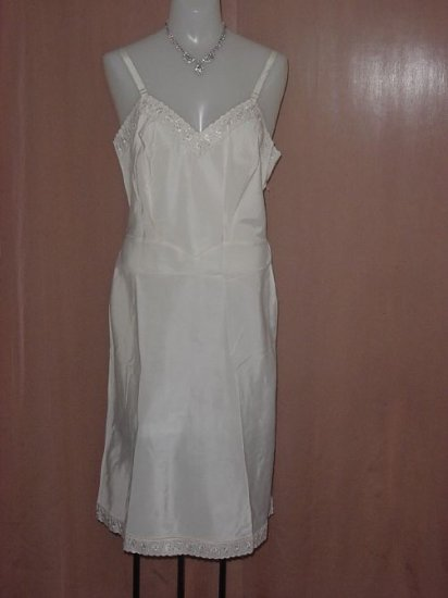 Barbizon Vintage  Ultra silky full Slip Tafredda Satiny Smooth Slip  No. 22