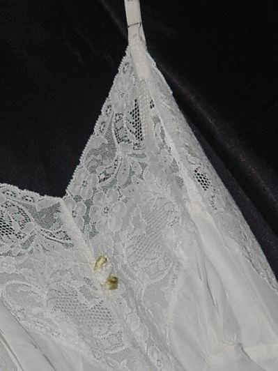 Vintage 1930s 1940s white lacy silky satiny full slip dress gown Bust 32 No. 133