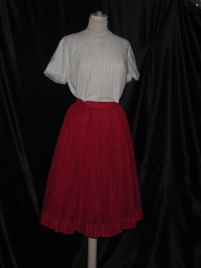Vintage 1940s 1950s Red flared Skirt white pleated Blouse No. 9