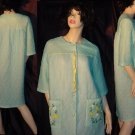 Vintage Embroidered Flower Robe 1950s 1960s Acetate Minty Green   44