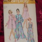 Simplicity Pattern 9073 Sz 14 Bust 35 Miss Peignoir and Nightgown 1970  No. 32
