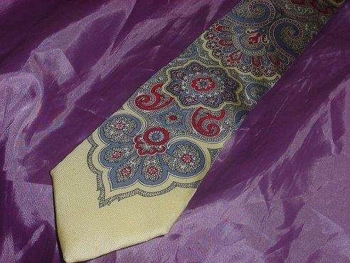 Mens Tie 100% Silk Paisley Design red gray yellow  41