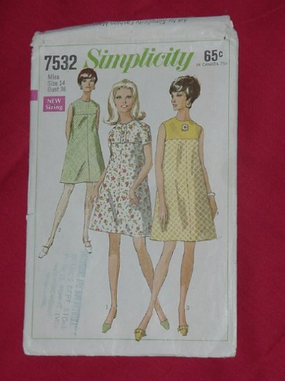 Simplicity  printed pattern 7532 1968 mod tent dress Size 14 Miss  - 54