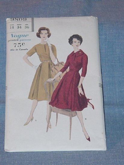 Vogue 1959  Dress pattern 9809 Vintage Size 14 Bust 34 Pre-owned Uncut  54