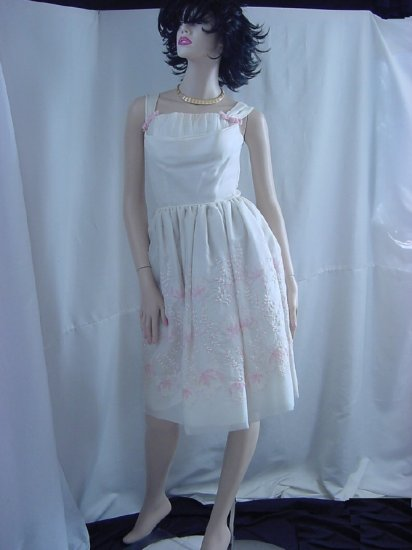 Pink White 1950s 1960s Prom Dress Formal Shelf bust Embroidered skirt No. 91