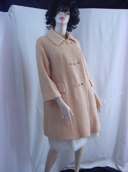 Woman's Vintage Buttery Cream Yellow Coat Bust 40 buttons Raglan sleeves  No. 23
