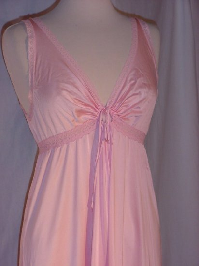 Keyhole Night gown Vintage Miss Elaine Pink Nightgown  No. 81