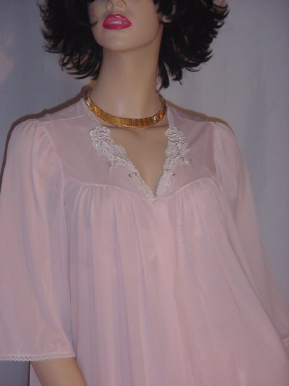 Lorraine Robe for Nightgown Nylon Pink Woman's Robe Small No. 81