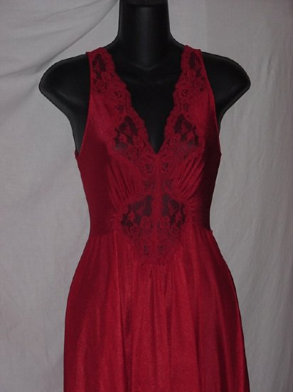 Miss Elaine Classics Nightgown red Small Wide flare skirt  No. 91