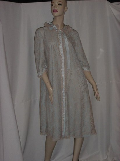 Vintage Odette Barsa Chantilly Lace Pastel Blue Ecru lace and ribbon Robe Lingerie night gown #93