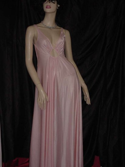 Keyhole Night gown Pink vintage figure flattering nightgown 107
