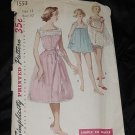 Simplicity Pattern 1553 Vintage shortie nightgown panties pattern size 12 Bust 30   No. 110
