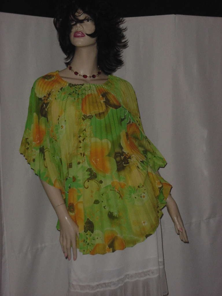Vintage pleated floral top blouse Accordion pleats pullover Cape poncho wide sleeves No. 134