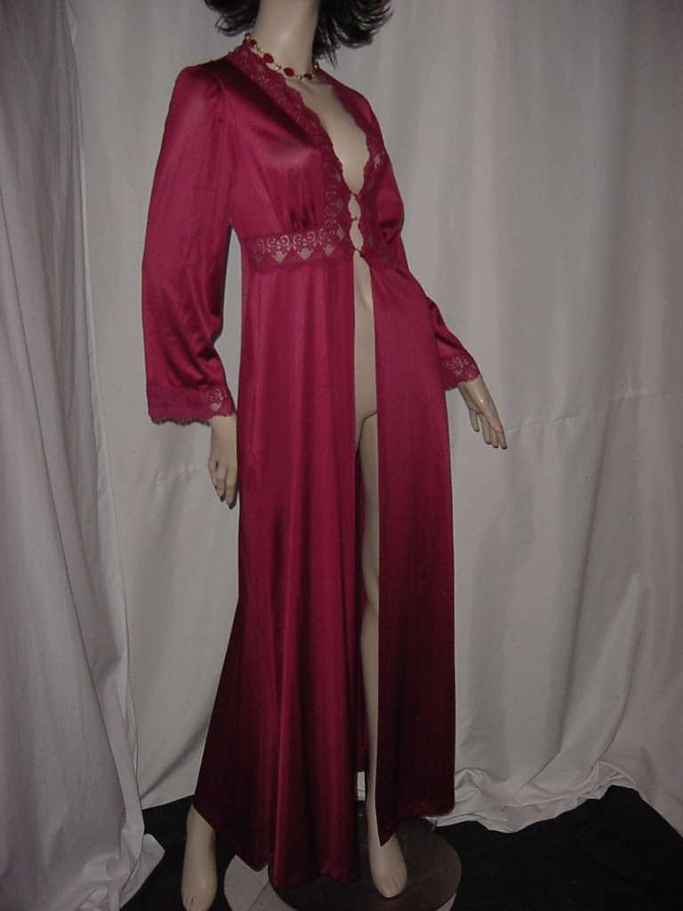 Wine robe or peignoir for a nightgown Vanity Fair  No. 134