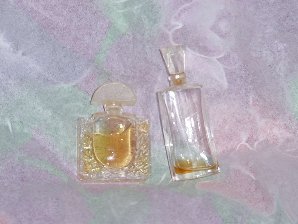 Lalique mini bottle .17 oz eau de toilette No. 135
