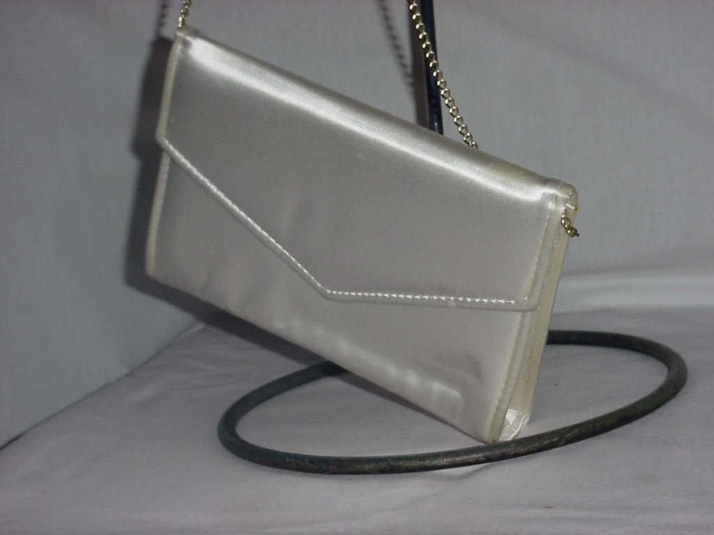 Vintage clutch ivory envelope purse   No. 138