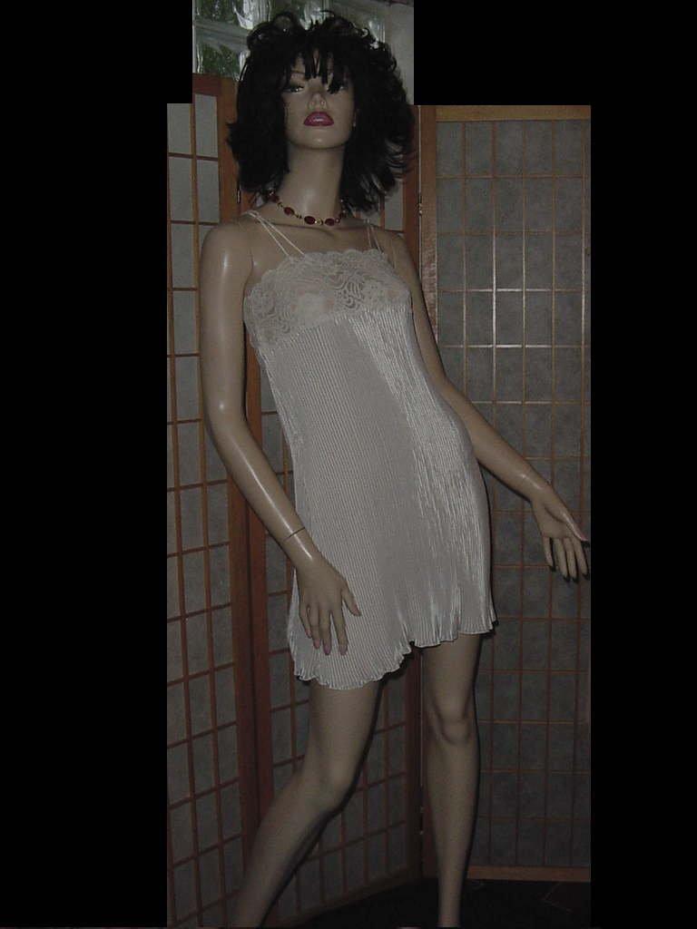 Wondermaid nightgown Ivory lace pleats unworn Small No. 146
