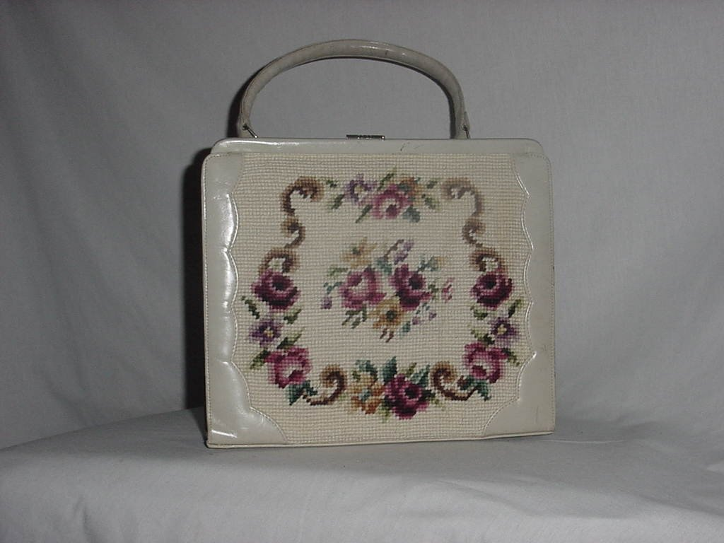 Vintage Floral tapestry needlepoint purse handbag   No. 148