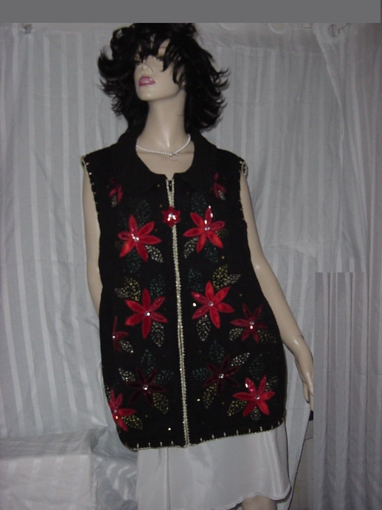 Christmas sweater Vest Poinsettias White Stag 26w/28 W No.  129a